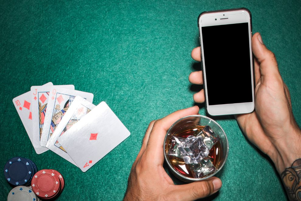 Why You Will Regret Not Picking Casino Mobile Apps to Play Sweepstakes Games?